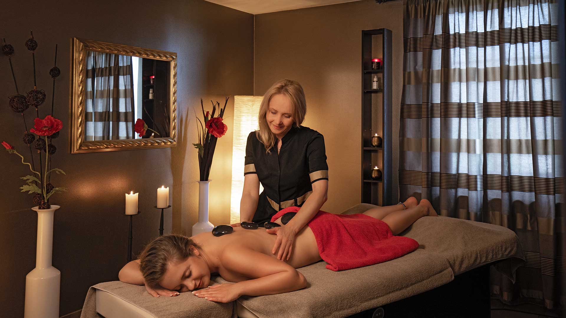 Hot Stone Massage im Wellnesshotel am Bodensee