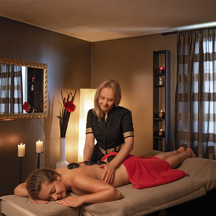 HOT STONE MASSAGE 75 min105,- EUR